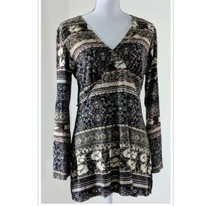 Tunic shirt with Bell Sleeves
